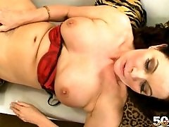 MATURE MILF FUCK BIG COCK AND HAVE BIG CUMSHOT